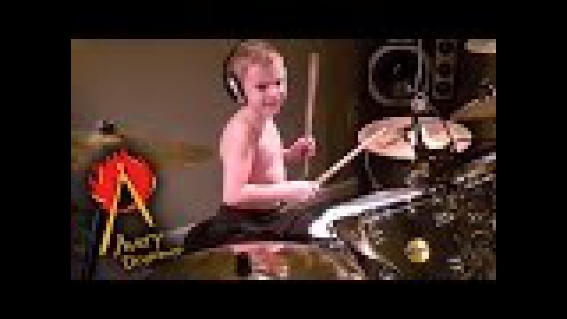 WELCOME TO THE JUNGLE age 6 Cover by Avery Drummer