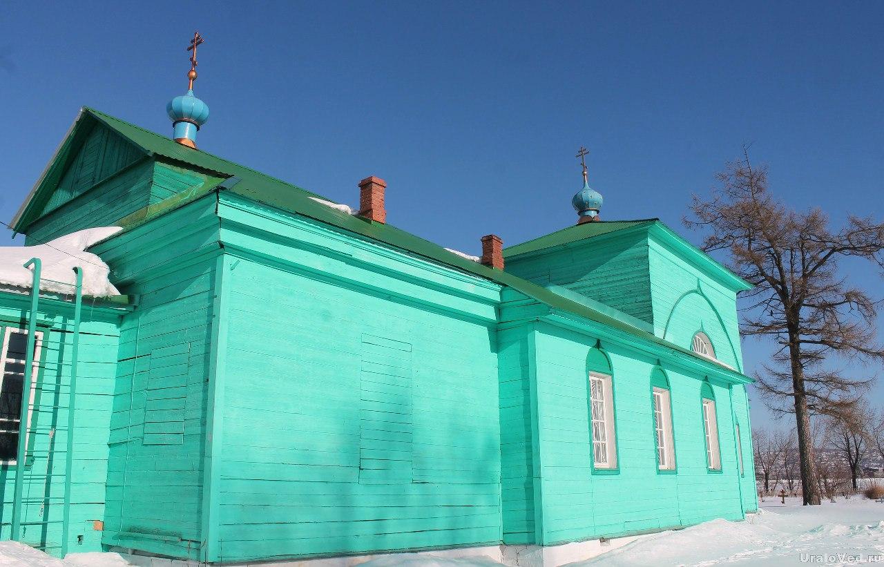 Старинная деревянная церковь в селе Камасино
