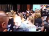 Zayn y Gigi saliendo de su hotel ayer en Nueva York #PillowTalk #ZaynMalik #Zayne #25OfMarch #MindOfMe #Befour #She #Gigi #Hadid #GigiHadid