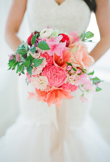 pRhjUPsz2Kk - 40 ярких и красивых свадебных букетов