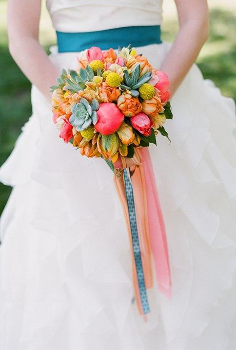 LOhCTgb327Q - 40 ярких и красивых свадебных букетов