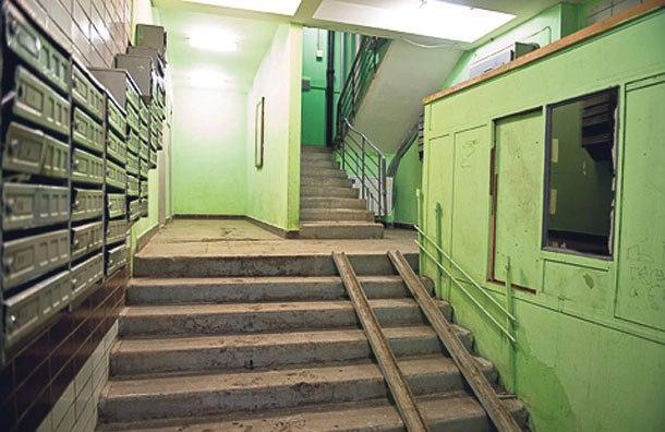 В Лианозове до конца года отремонтируют 148 подъездов