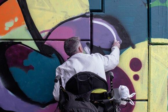 alive graffiti
