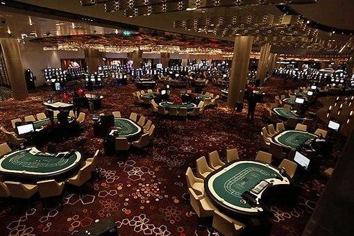Русские онлайн казино с бездепозитным бонусом игровые автоматы слото макс