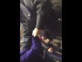 Очень грубое обращение полицейского с женщиной в Баку в метро.| АЗЕРБАЙДЖАН , AZERBAIJAN , AZERBAYCAN , БАКУ, BAKU , BAKI ,2016