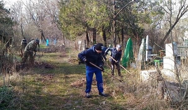 В Черкесске общественные организации активно участвуют в наведении чистоты на городской территории