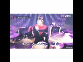 Nflying bias recker = jaehyun hes super sexy while drumming yet a total goof offstage