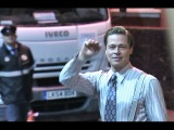 Brad Pitt saluda a sus fans en Gran Canaria tras el rodaje de 'Allied'
