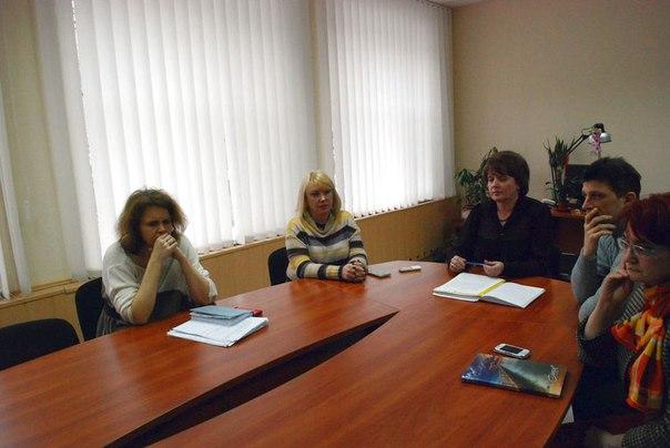 Политическое давление или аморальный поступок – какова причина увольнения директора УВК №12 Днепродзержинска?