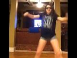 Как не нужно танцевать 😁😆😆😆Расскажи друзьям, отметь их под видео! #virusvideo Подписывайся на @virusvideo