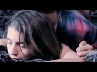 Alicia Rodriguez - Joven y Alocada(2012)(sex scene, сцена секса, эротика, постельная сцена, раком, трах, кончил, порно)