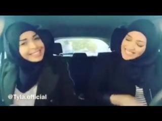 кавказская девушка знакомит своего русского парня с братьями