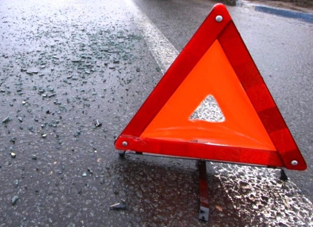 В Таганроге столкнулись Hyundai Accent и Mitsubishi, двое пострадавших