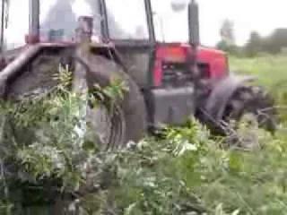 Трактор беларус 1221 преодолевает течку