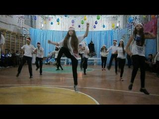 Праздник к нам приходит - Ёлка. Танец 9-А Школы-гимназии №1 г. Арциза