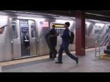 Реакция нью-йоркцев, опоздавших на метро [Точка Зрения]