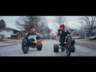 Twenty One Pilots - Stressed Out [OFFICIAL VIDEO]