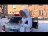 Маздаводка-беспредельщица Леночка разбушевалась, материт и бьет сотрудников поли