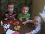 Делаем Цветы из бумаги ( вместе с детьми) Легко и красиво.