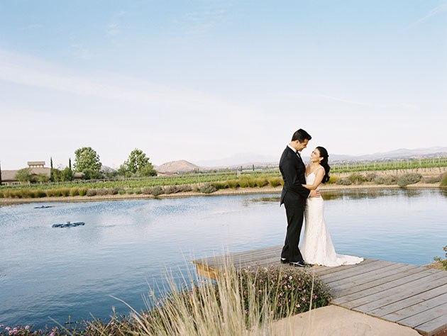 sXYpN0rWkQc - Необыкновенная свадьба Адама и Кармин (20 фото)