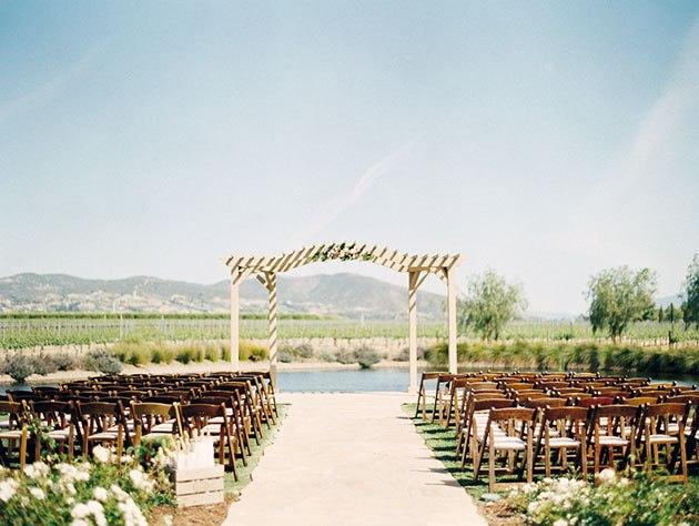 yIX8HNGkivQ - Необыкновенная свадьба Адама и Кармин (20 фото)