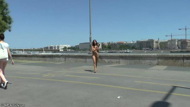 Eve Nude in Public 4