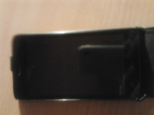 продам телефон FLy за 2300р состояние на 5 в комплекте :зарядка,чехол,