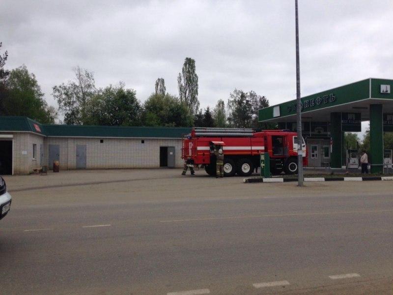 Зеленчукские огнеборцы ликвидировали разлив топлива на АЗС