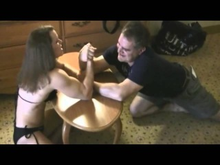 Arm Wrestling Men Vs Woman Bodybuilders