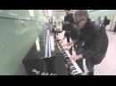 Буги вуги на пианино в аэропорту!