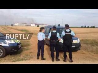 Франция: Бунтуют заключенные начинают огонь по Французской тюрьме.