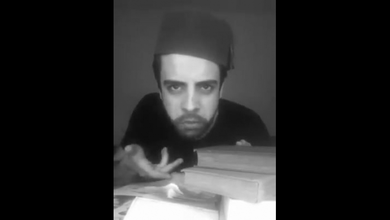 Сафа Мехти - Мирза Алекпер Сабир <<Dur qaçaq, oğlum, baş-ayaq qandı bu!>>
