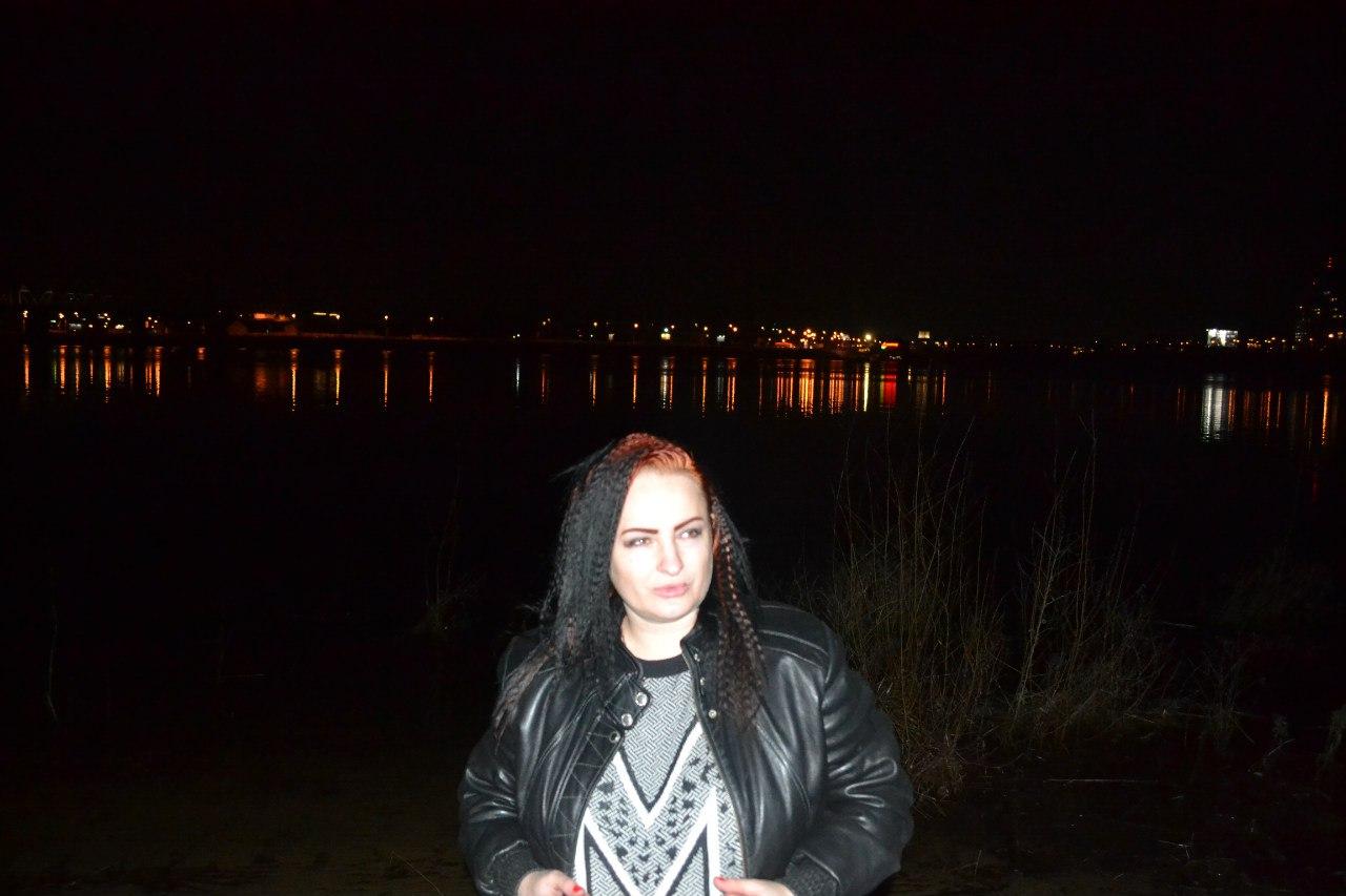 10.03.16 г. Киев. Труханов остров. Елена Руденко J9hx-C0DEE8