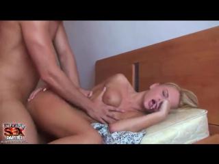 Русская студентка трахается с любовником [пикап,секс,сняли,за дениги,русскую,молоденькую,трах,ебет,жестко