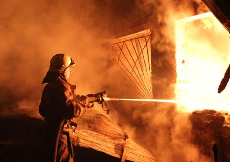 Вчера в Таганроге при пожаре на улице Октябрьской погиб человек