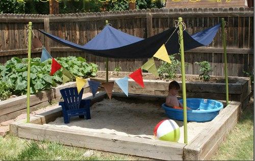 песочница и бассейн