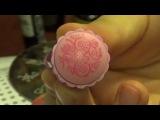 Простой нейл-арт к 14 февраля на коротких ногтях. Стампинг +гель-лак