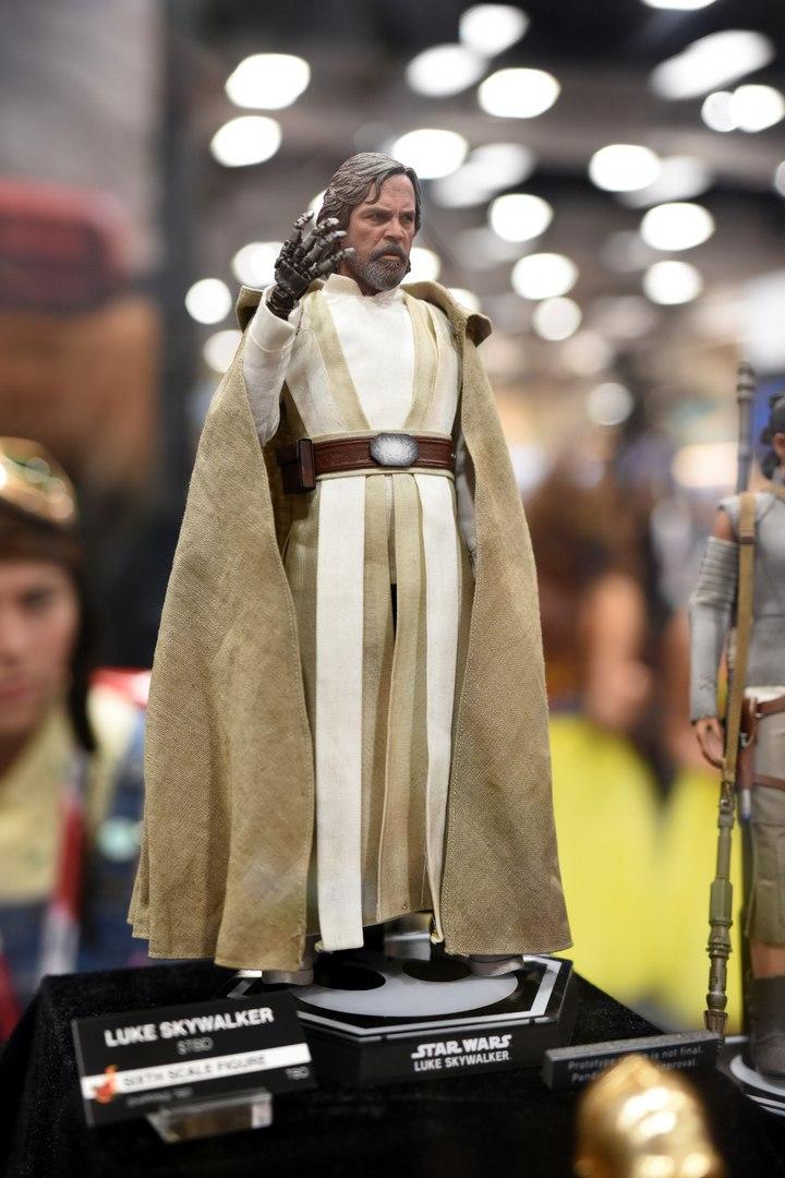 Comic-Con San Diego: Фигурки и статуэтки. Hot Toys