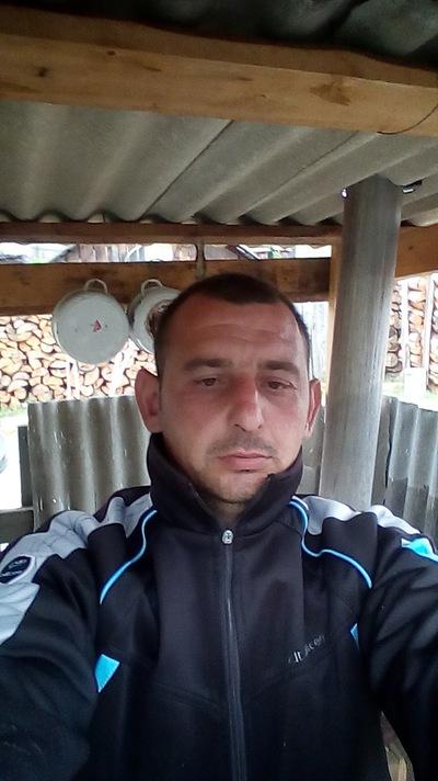 Роман Медведев