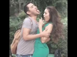 Как парни видят своих девушек, когда они здороваются со своими друзьями