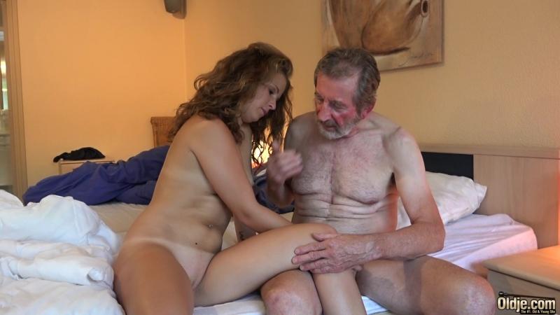 бесплатное фото секс молодых со стариками