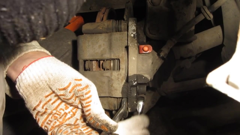 Замена переднего тормозного цилиндра ВАЗ 2110, Калина, Приора, Гранта, 2109, 2114