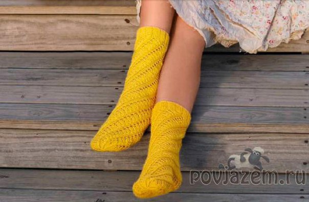 Носки без пятки вязаные спицами, описание и схема по ссылке: http://povjazem.ru/...