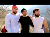 Майрбек Тайсумов , Зубайр Тухугов и Роджер подготовка к бою в горах Чечни.