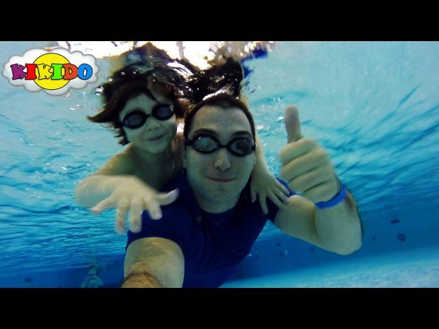 Аквапарк Мореон. Видео для Детей. Катаемся на водных горках. Купаемся в бассейне. Кикидо