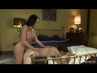 lesbiyanki-porno-roliki-transi-dominiruyut