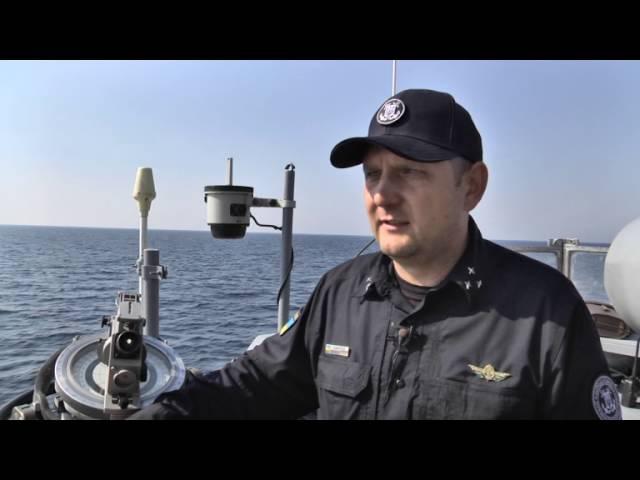 Російські військові кораблі навели гармати на українських прикордонників