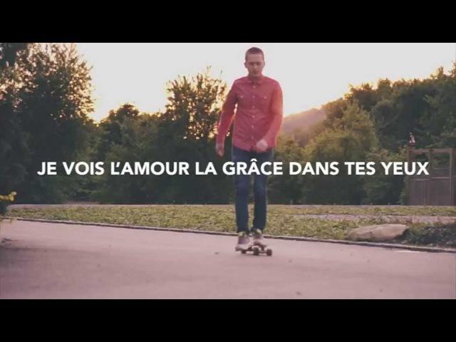 Vases d'Argile Grâce Infinie Lyric Video