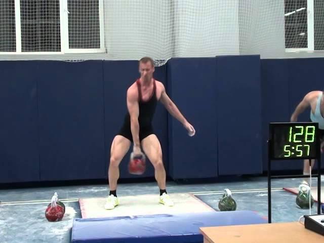 Кичимаев Николай Рывок гири 32 кг 222 раза - пос. Каменка 21 дек 2015г.