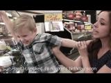 Мама двоих детей сняла клип про свою жизнь